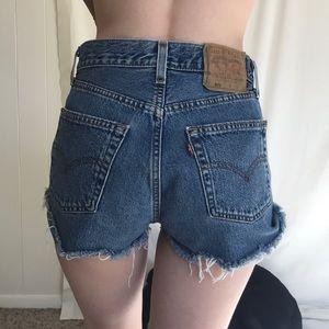 Vintage 501 Levi's Cut Off Raw Hem Shorts